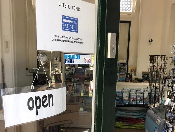VVV-winkel weer geopend!