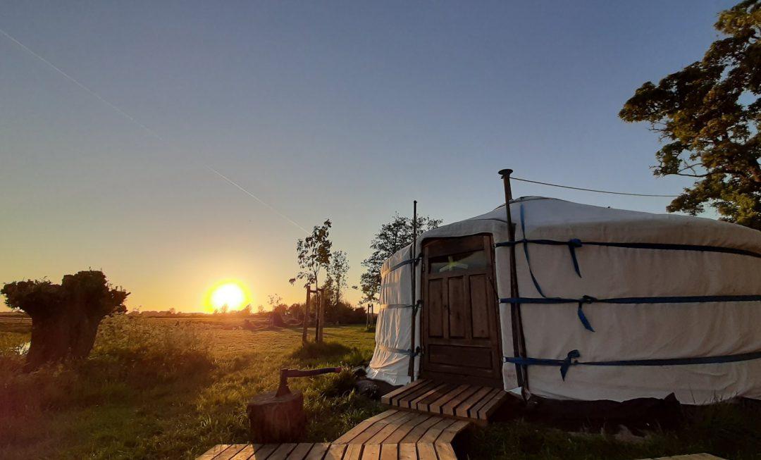 Overnachten in een Yurt bij Lakenvelder Boerderij Boterhuispolder